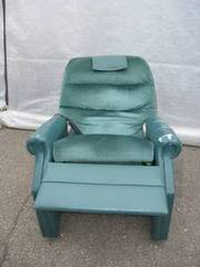 Recliner chair with vibrate